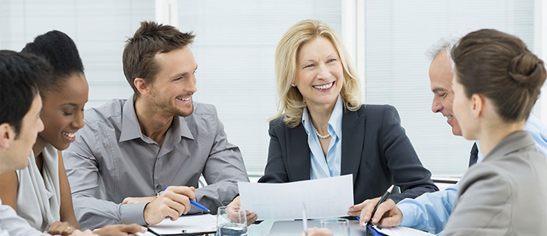11 Tips para sonreír más en el trabajo