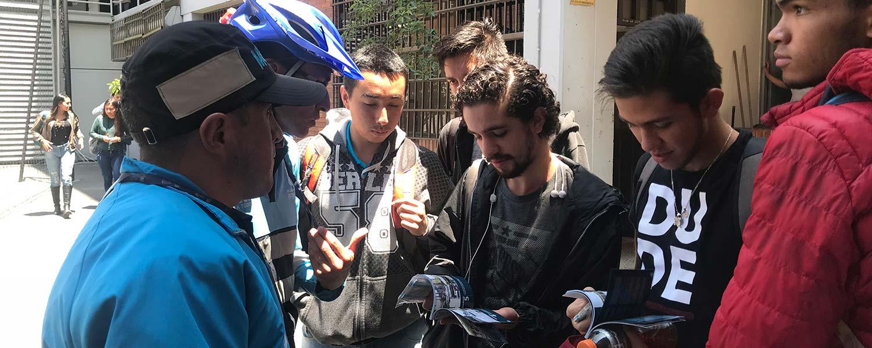 Secretaría de Movilidad entrega manual de ciclista