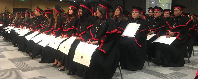 Ceremonia de Graduación en el mes de junio
