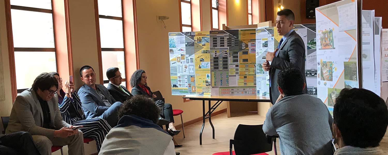 Estudiantes de la maestría de diseño sostenible, presentaron los resultados del Taller de Diseño Equitativo orientado hacia el Entorno, Edificación y Habitante.