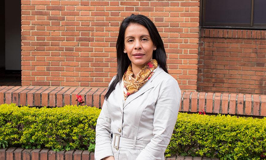 Dra. Margarita María Nieves Acero,